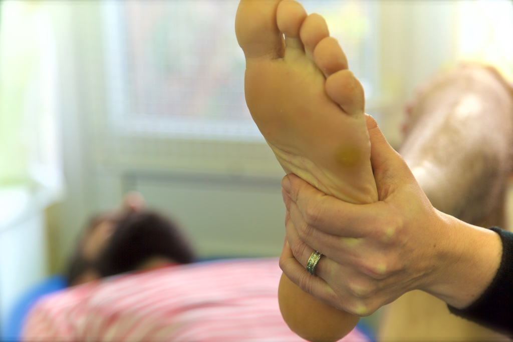 http://www.marymoorepodiatry.ie/wp/wp-content/uploads/2016/03/FootMobilization2.jpg